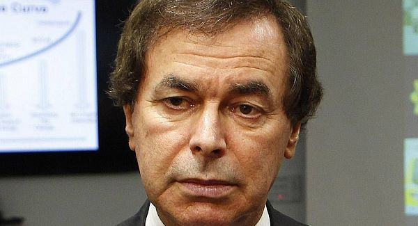 Justice Minister Alan Shatter praised gardaí for the reduction in overall crime