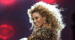 Beyonce - performing