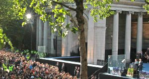 Barack Obama addresses crowds at College Green