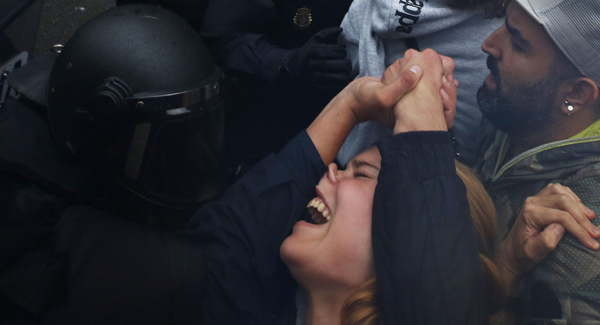 Clashes in Barcelona Over Independence Referendum