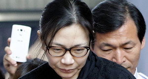 Nut rage ex-airline boss walks free