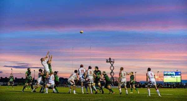 Mick Kearney, Connacht, and Robbie Diack, Ulster, contest a lineout. Picture: Diarmuid Greene / SPORTSFILE