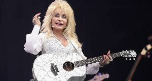 Dolly Parton may release Glastonbury mud song
