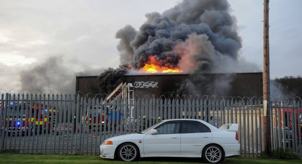 Dundalk blaze: Large number of cars on fire at Haggardstown warehouse