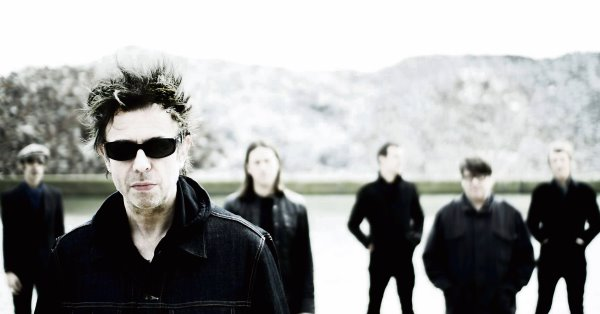 Ian McCulloch and Echo and the Bunnymen.