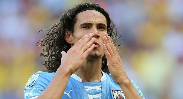 Top scorer Cavani extends PSG 'love story' to 2020