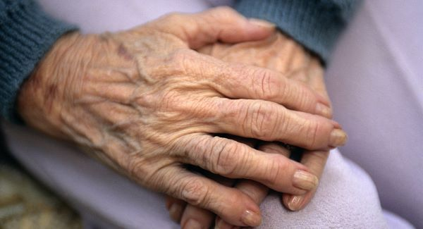 Two minute, 20 second mealtime in elderly centre - Hiqa report