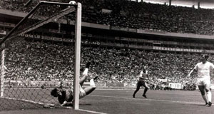 INCREDIBLE: England goalkeeper Gordon Banks makes his famous save from a downward header from Brazil's Pele during the 1970 World Cup finals In Guadalajara, Mexico. Liam Mackey's love for the game was copperfastened by the tournament.