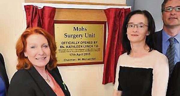 Minister Kathleen Lynch and Dr Catherine Gleeson open the Mohs unit in Cork.