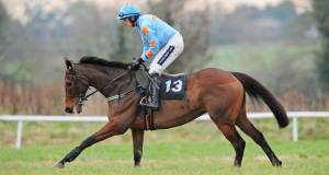 ARKLE SHOWDOWN: Un de Sceaux -  wears his heart on his sleeve and we will be belting away from the start.