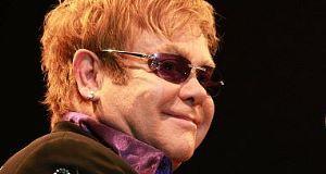 Mother tells of Elton John rift