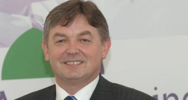 Seán Ó Cuirreáin:Resigned because services not given in Irish.