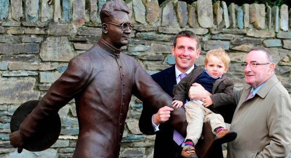Former supreme court judge Hugh O'Flaherty, his son Hugh and grandson Hugh pictured at the unveiling of the Monsignor Hugh O'Flaherty statue on Mission Road, Killarney on Wednesday.