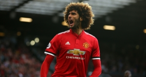 Marouane Fellaini signs contract extension with Man United until 2020