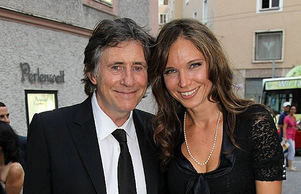 Gabriel Byrne with nice, Wife Hannah Beth King