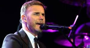Barlow offers tax row 'apoplogy'