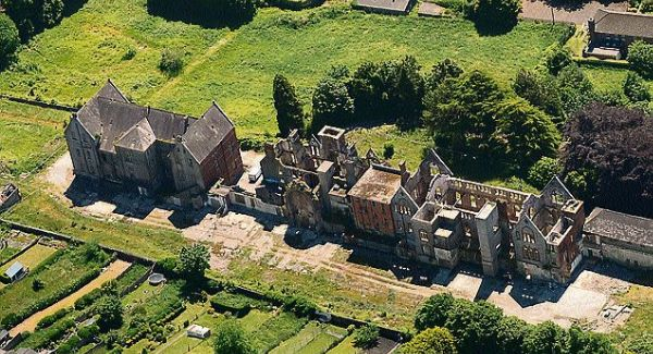 The derelict ruins of Good Shepherd Convent, Sunday's Well, Cork. The report states that there are two burial sites on the grounds of the former laundry.  Picture: Denis Scannell
