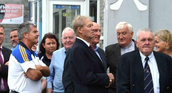 VIDEO: Thousands pay respects to Tipperary legend Jimmy Doyle   Irish ...