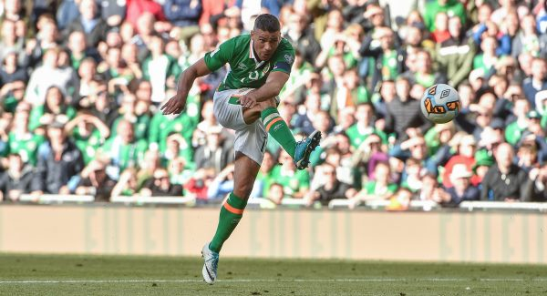 Republic of Ireland forward Jonathan Walters out until at least Christmas