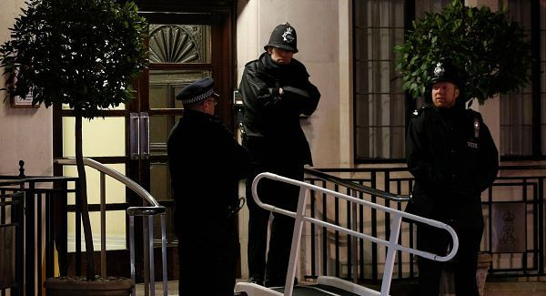 Police officers on duty outside King Edward VII's Hospital, in central London after Nurse Jacintha Saldanha was pronounced dead. Picture: PA