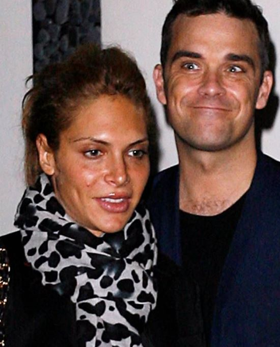 how did robbie williams meet his wife