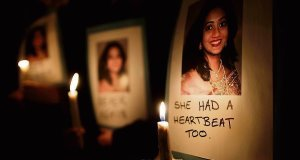 Doctors felt they could not withdraw life support for Savita Halappanaver because of uncertainty over the Constitutional status of the foetus.