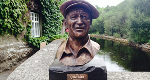 This bust of John Wayne playing The Quiet Man sold for €3,900 atAidan Foley's Ashford Castle contents auction.