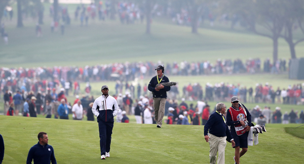 Heckler challenged at Ryder Cup, sinks putt