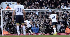 Tottenham Hotspur's Andros Townsend scores a penalty during the FA Cup Fourth Round match at White Hart Lane, London.